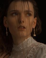 kadın küpe tyran mücevher takı